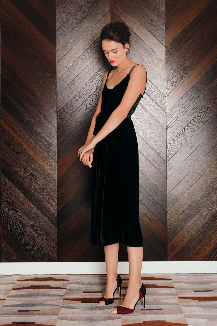 UNDRESS AW16  MIRIFICAL black velvet dress