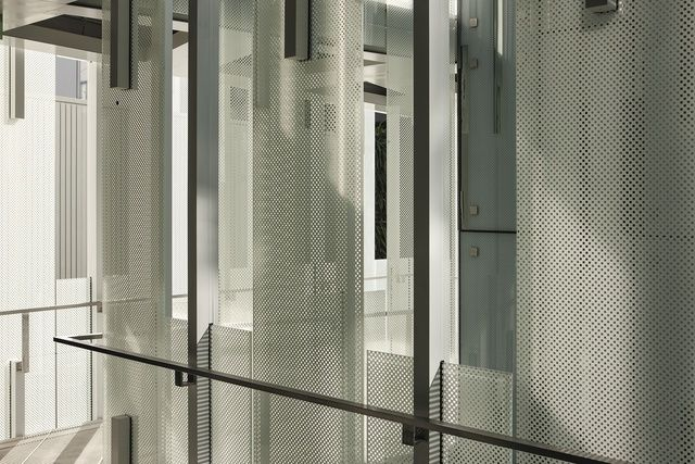 Geyser Building, fritted glass façade / Patterson Architects
