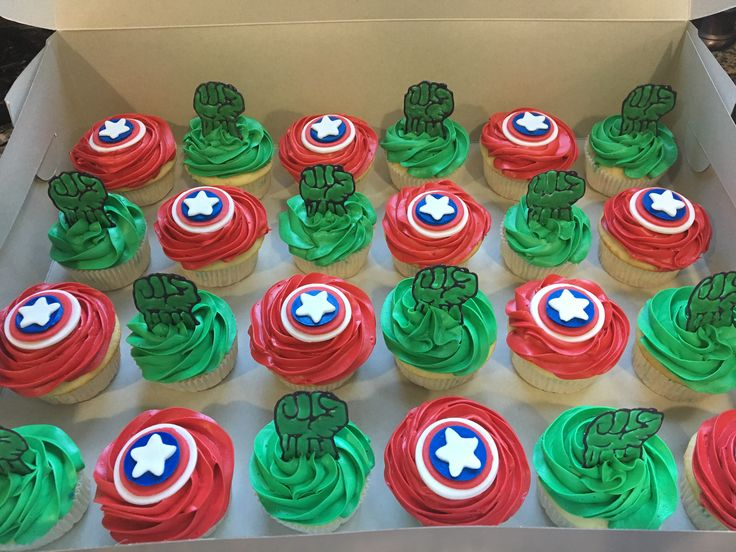 Captain America / The Incredible Hulk cupcakes for a boys birthday party!  Email: cc.creativecupcakes@gmail.com to get any customized cupcakes now!