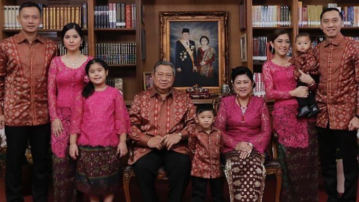 Annisa Pohan dan Agus Yudhoyono Beri Kejutan Untuk Memo di Hari Ibu