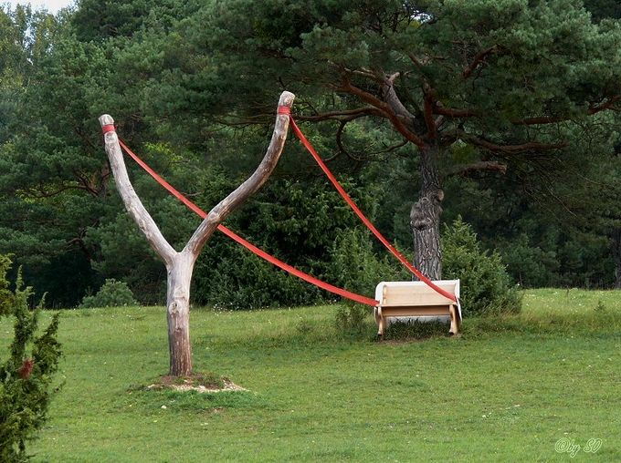 Cornelia Konrads – a German painter, sculptor and designer. Works in the genre of land-art. Often uses the illusion of weightlessness.
