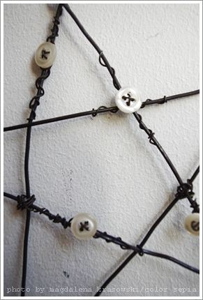 wire star with buttons I love this!