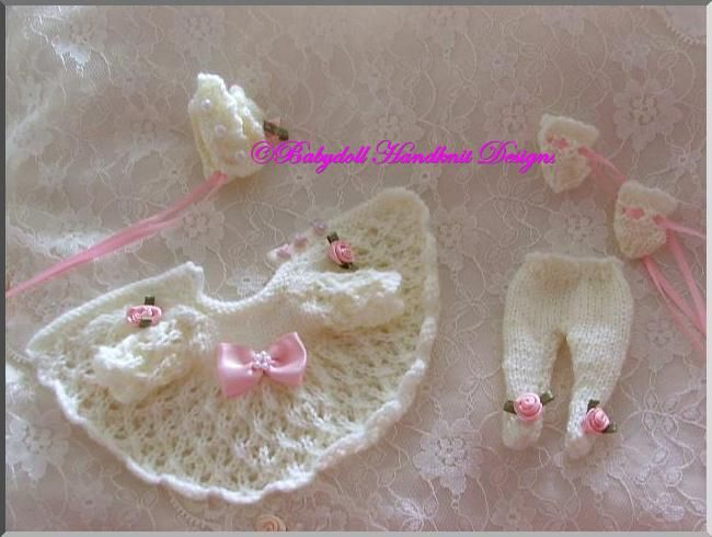 "FREE Pram Set for 4-7"" doll/early loss baby-free knitting pattern"