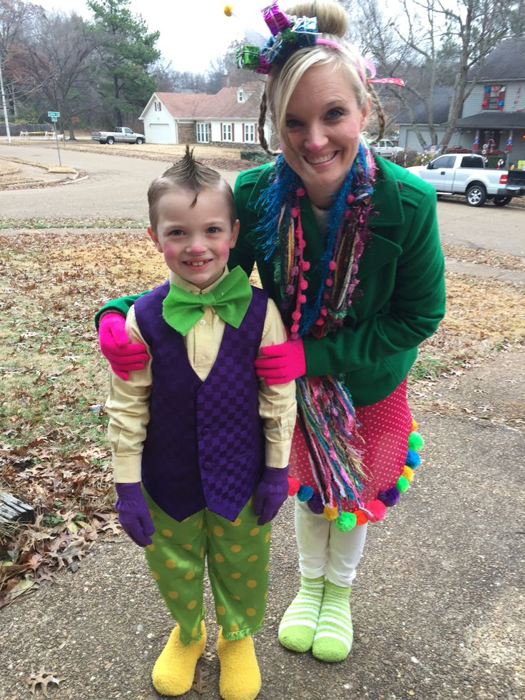 Whoville costumes! My cousins, Are they not the cutest ever??? Paula