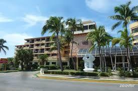 Fachada del hotel Sol Sirenas Coral