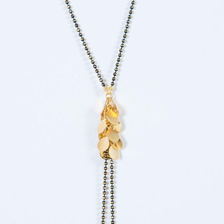 NIEUWE Saltire Grappe d'Or, fijn goud & zwarte bal keten, ketting Y, lasso ketting door WildbyJessieDaams op Etsy https://www.etsy.com/nl/listing/295077587/nieuwe-saltire-grappe-dor-fijn-goud