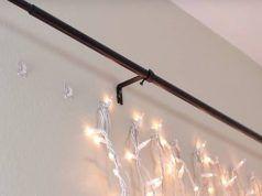 Felakasztotta a karácsonyi izzót a falra. Amikor lekapcsolta a villanyt és megláttuk miért tette, mi is megcsináltuk!