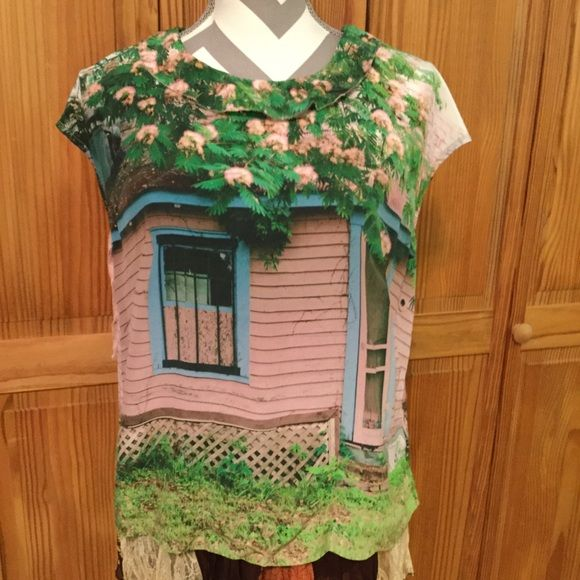 Anthropologie Pink Cottage Stunning photo top, fitted. Sarah Ball Photography, rare print. Anthropologie Tops Blouses