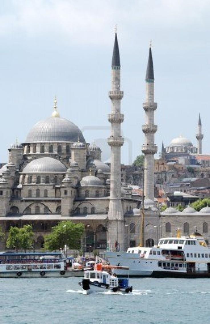 Yeni Camii dominates the waterfront