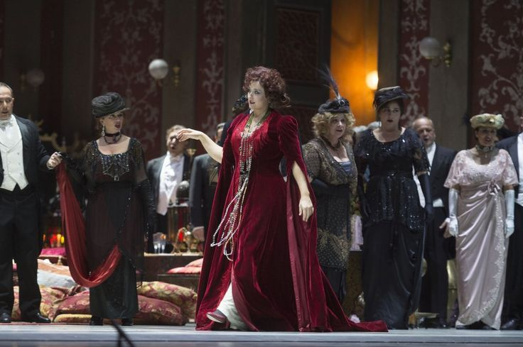 Torna la Traviata al teatro San Carlo