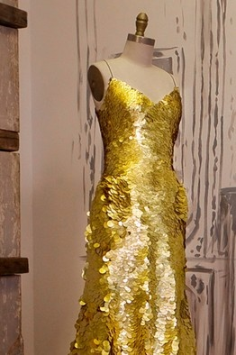 Zac Posen creates Gold-Sequined Gown for Launch of Magnum Gold Ice Cream Bars. #AdeaEveryday