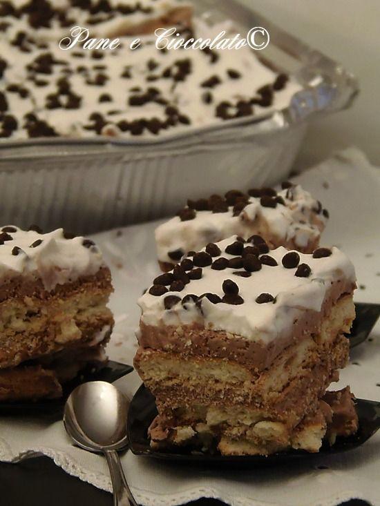Torta Millebiscotti al cioccolato e Panna veloce