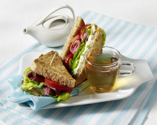 Unser beliebtes Rezept für Roastbeef-Sandwich und mehr als 55.000 weitere kostenlose Rezepte auf LECKER.de.