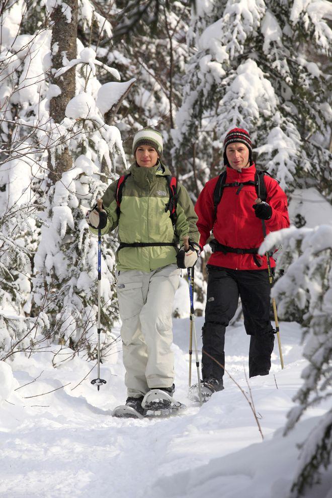 Snowshoeing in Parc national de la Mauricie (Lac-Solitaire trail), Québec