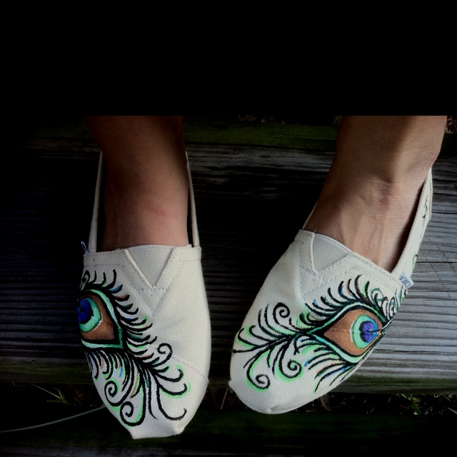 Peacock Feather Painted TOMS