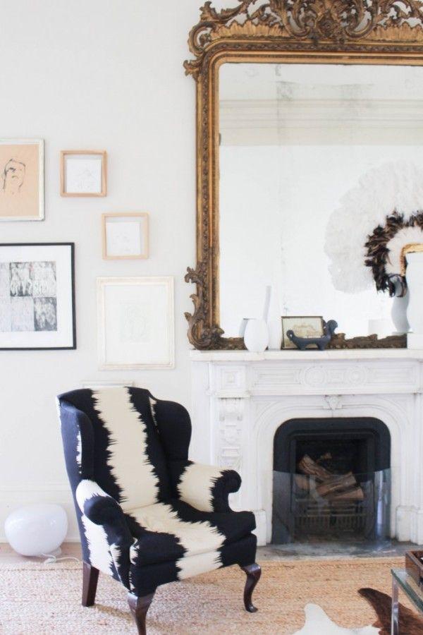 GOLDEN BAROQUE GOLDEN MIRROR FOR LUXURY LIVING ROOMS | Golden baroque mirror with crazy contemporary fabrics | www.bocadolobo.com #mirrorideas