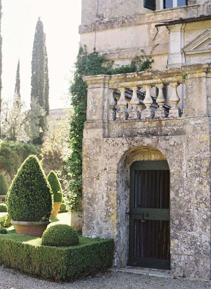 Villa Centinale, Italia