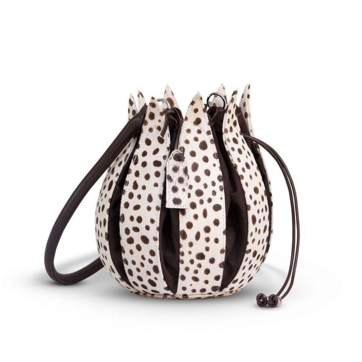 Lederen tulpen tas - leather tulip bag.  #dutch #design #print