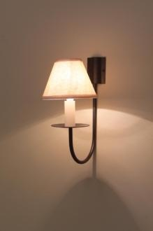 Single Classic Wall Light in Old Gold