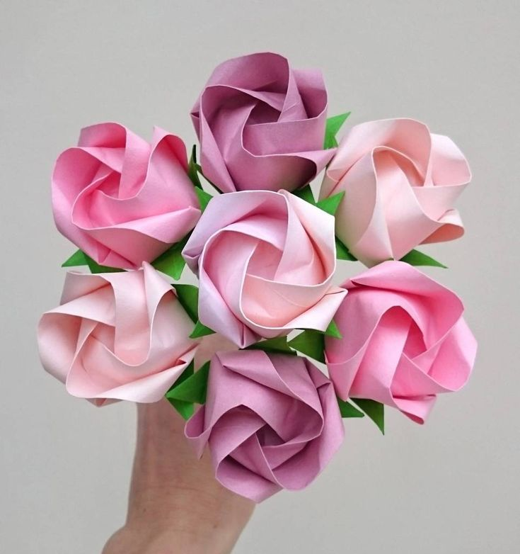 Pink origami paper roses bouquet | Paper roses, Paper flowers, Pink rose bouquet