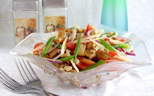 Пикантный салат с лисичками | Кулинарные рецепты от «Едим дома!»