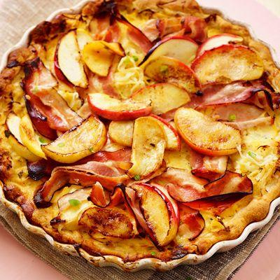 Zuurkooltaart met appel en spek
