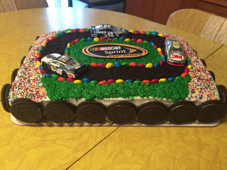 Cake Decorating Car Race Track : 7 best Cars 3 Race Track Birthday Cake Ideas images on ...