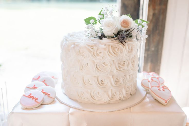 1000 Ideas About Rosette Wedding Cakes On Pinterest