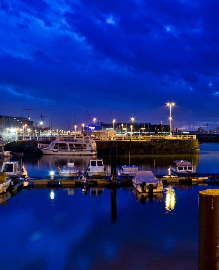 Noche en el puerto deportivo de gij n asturias para so - Puerto deportivo gijon ...