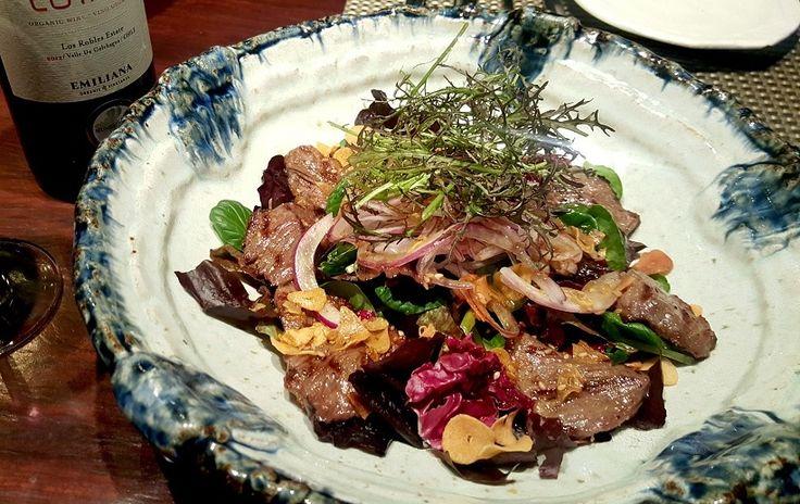 한우 야끼니꾸 샐러드 Grilled Beef Salad