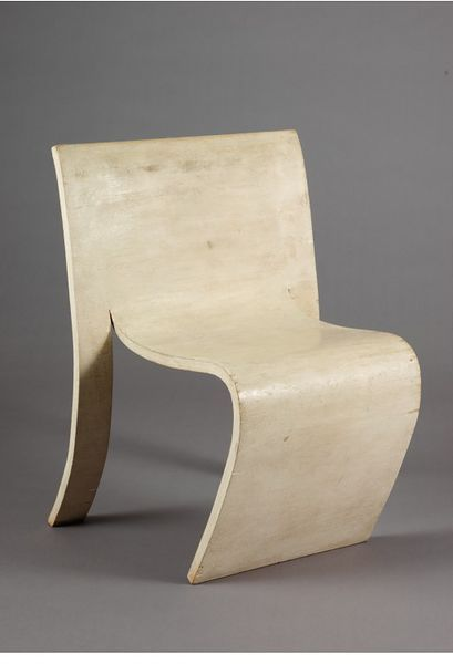 SF/SC chair | Designed by Gerald Summers in Great Britain, 1938 |  Manufacturer: Makers of Simple Furniture | Material: moulded plywood  | Inspired by and comparable to Alvar Aalto's bent plywood chairs from the same decade, Summers' chairs achieved an integration of design and manufacture similar to Aalto's designs | The production process required no heat or steam, but relied on the veneers being glued together and held in place in a mould for eight hours | VA Museum, London