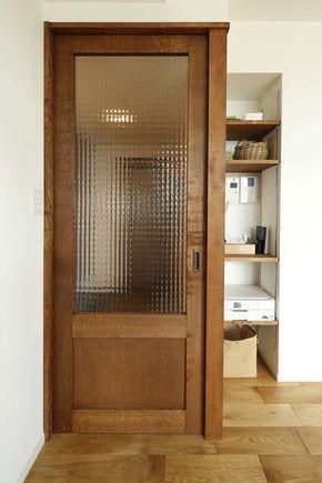 リビングの扉:開き戸をガラス入りの引き戸に