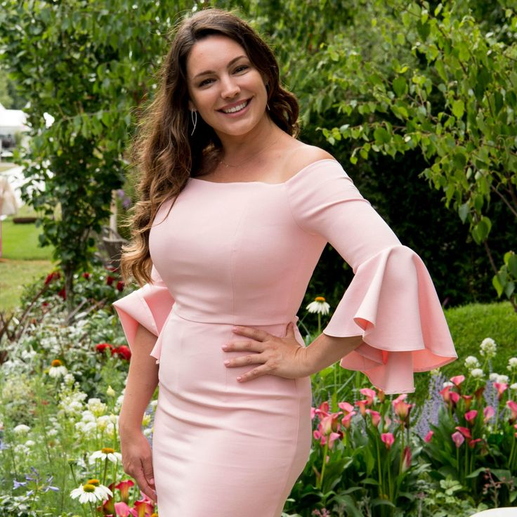 Kelly Brook shares new weight loss photo – and reveals how she slimmed down prima.co.uk