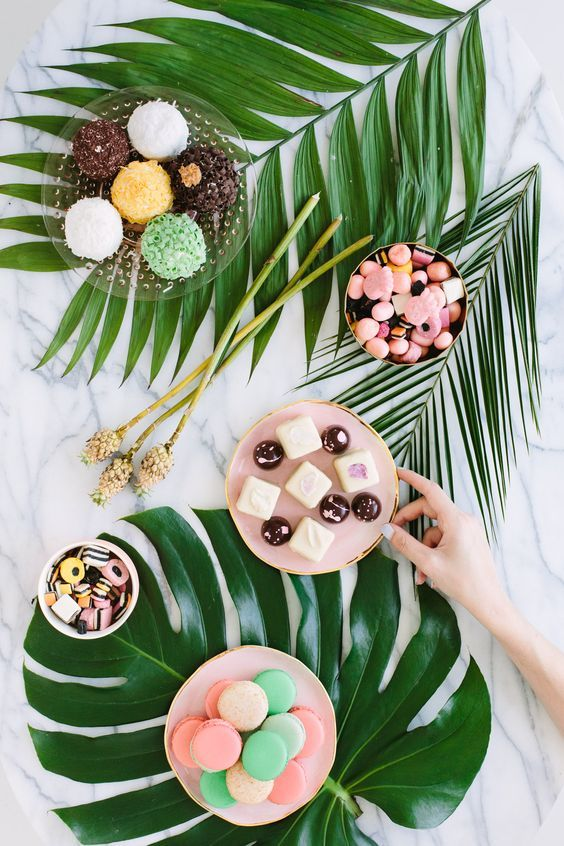 Palm Fronds and Bon Bons Dinner Party / http://www.deerpearlflowers.com/tropical-bridal-shower-ideas/