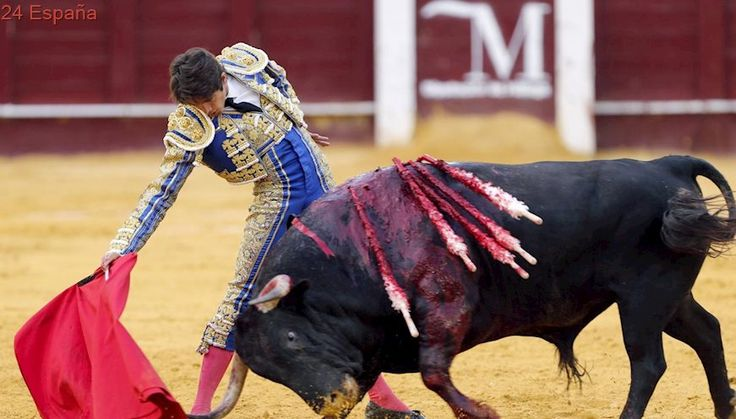 Triunfo de Castella y oreja para Talavante en Málaga