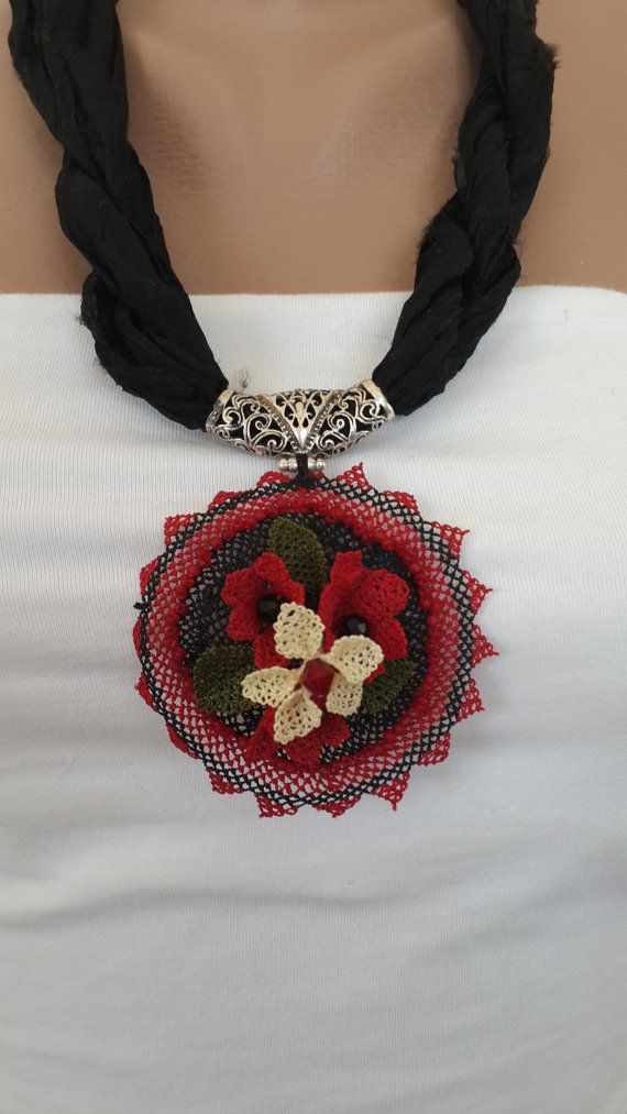 wonderfull handmade pendant with Turkish needle lace oya by OYAFLOWERS