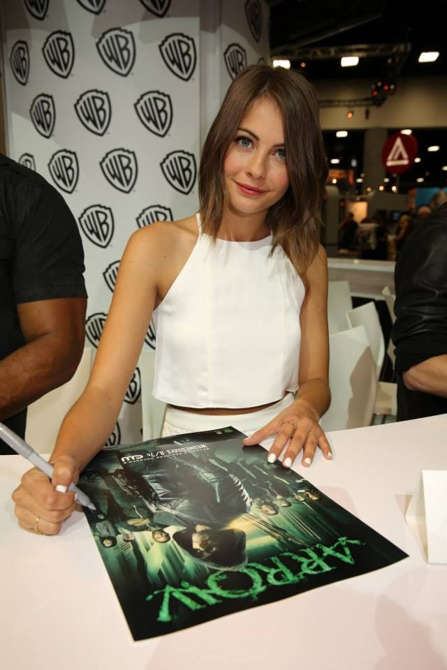 """Warner Bros. At Comic-Con International 2014 SAN DIEGO, CA - JULY 26: In this handout photo provided by Warner Bros, Willa Holland of """"Arrow"""" attends Comic-Con International 2014 on July 26, 2014 in San Diego, California. (Photo by Michael Yarish/Warner Bros. Entertainment Inc.)"""