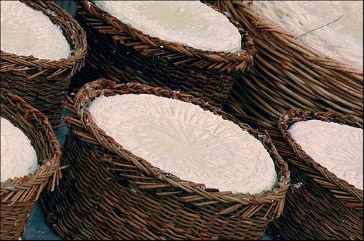 Il Casuforte o Cacioforte è un formaggio caprino stagionato confezionato a Statigliano, una piccola frazione di Roccaromana, comune della provincia di Caserta.