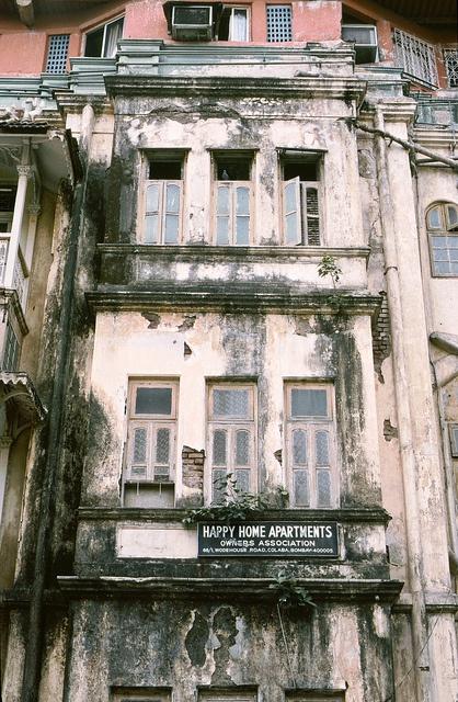 Happy Home Apartments, Bombay (Mumbai) 1986, via Flickr.