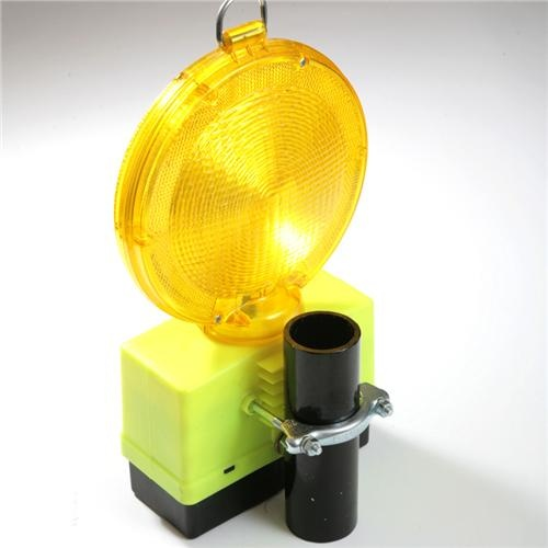 Scaffolding Safety Light, Hi Viz yellow.    Manufactured from tough plastic, complete with fastening clamp for Scaffolding Tube or Temporary Fencing - Heras Fencing. Fitted with Daylight Sensors and 1500 hour battery. High Visibility.    See also:  Armadillo Scaffolding Fitting Cover.    Spare Batteries from only £13.50