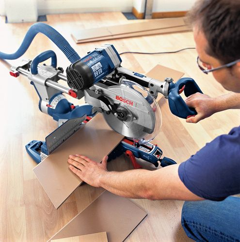 Bosch Professional GCM12SD sliding mitre saw in action!