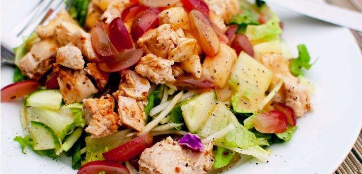 Salada de frango e uvas