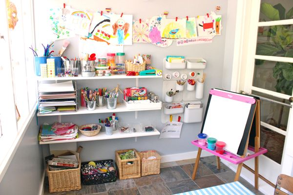 Learn how to set up creativity hubs, or tinkerspaces, for your child's art supplies l TinkerSpaces: Art Pantry Studio Tour    TinkerLab