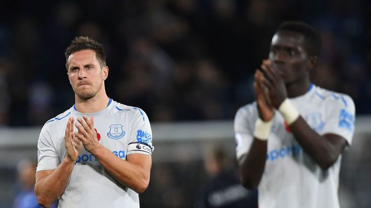 Phil Jagielka, Leighton Baines show their age in defeat at Leicester