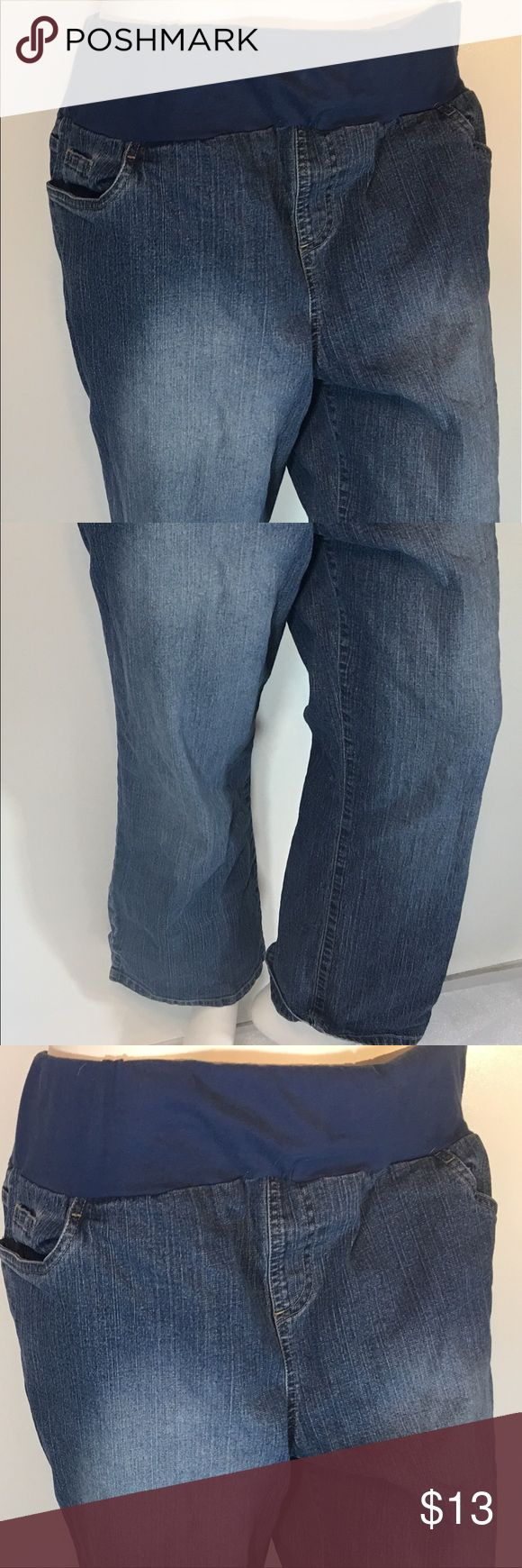 IN DUE TIME MATERNITY DENIM CAPRI JEANS SIZE Large IN DUE TIME MATERNITY DENIM CAPRI JEANS SIZE Large In Due Time Jeans