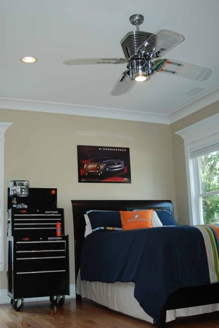 Automotive Bedroom contemporary kids/Nightstand