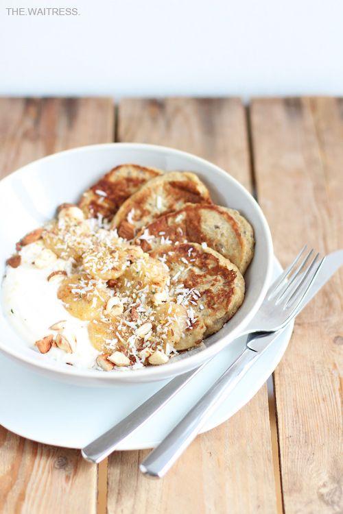 Rezept für leckere vollwertige Bananen-Pancakes / THE.WAITRESS. Blog