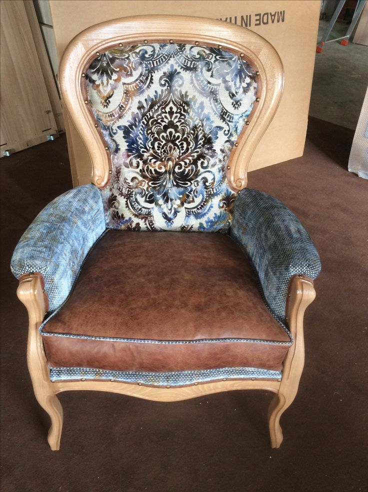 cerchiamo la comodità  Poltrona Filippo ..con cuscino in piumino e tessuto gran lusso legno naturale spazzolato bY Arvestyle