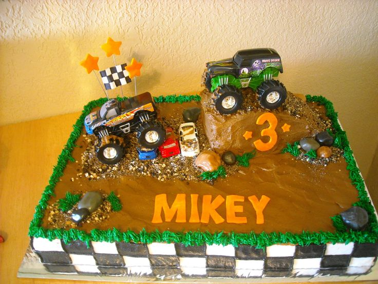 1/2 sheet cake... rocks, stars and letters were mmf.. all else was buttercream... Mikey loved that he could eat the dirt and rocks..LOL:) They were oreos and vanilla wafers... The hill was rice krispy treats... Toy trucks. Got idea from other cakes here on CC thanks for looking:)