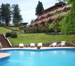 BI68025 - Villa Gral Belgrano  -   Pcia de Córdoba. Tipo: Hotel 3* Hab.: 20 - Cat.: 3* - Estado: Muy bueno. Sup. cub.: 1.660 Mts2 - Terreno: 4.120 Mts2. Excepcional vista a Sierras Grandes y Chicas. Arquitectura integrada a la naturaleza. Frondosa arboleda. Las suites amplias y variadas estan completamente equipadas a todo confort con detalles de categoría, son de 35 a 45 mts2 cada una. Estructuras antisísimicas. Sommier. LCD - DVD. TV por cable. Telefono. Caja de seguridad digital.